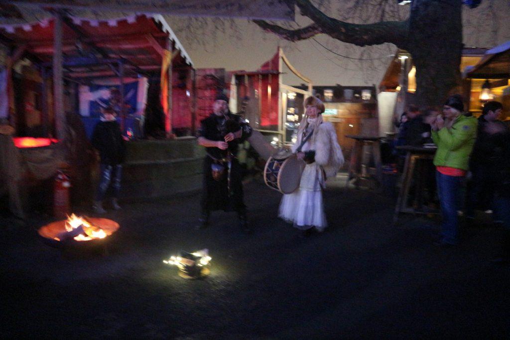 Kerstmarkt Bremen middeleeuwse muziek op de Schlachte Zauber